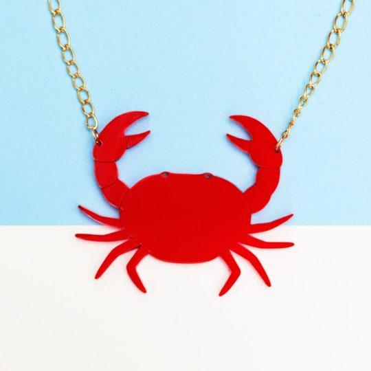 ras de cou grand crab face