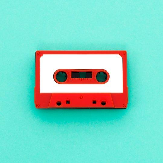 jule_et_lily_broche cassette rouge